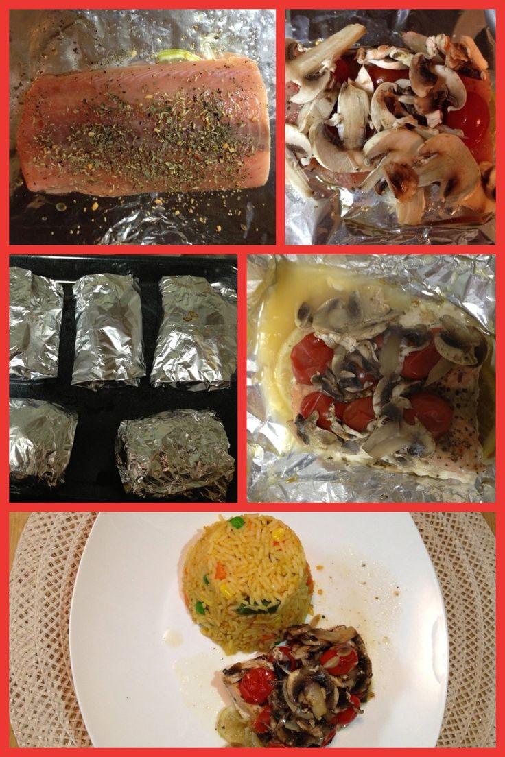 Salmón al horno: aceité de oliva, limón, sal, pimienta, tómate cherry, champiñones, y albaca. En un cuadro de aluminio untar un poquito de aceite de oliva. Colocar el filete de salmón y cubrirlo con jugo de limón, sal, pimienta, albaca, tómate cherry, champiñones y rodajas de limón. Doblar el papel aluminio y llevar al horno a 325 F por 35 minutos. Servirlo con arroz o ensalada favorita. Riquísimo y fácil !!!!