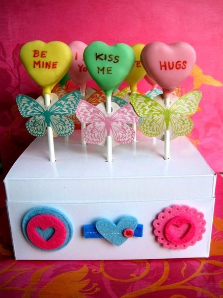 Valentines Cake Pops - How cute are these?