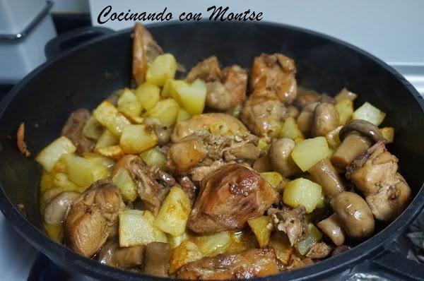 La receta, paso a paso, la hemos visto en el blog COCINANDO CON MONTSE.