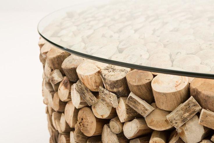 Wie zegt dat resthout niet bruikbaar is? We hebben er een mooie verzameling van gemaakt, er een glasplaat opgelegd en…