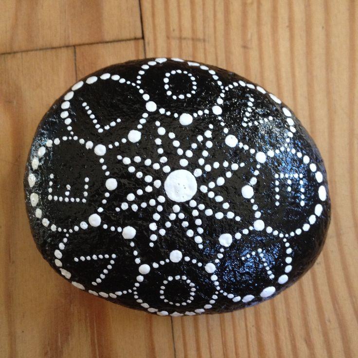 oltre 25 fantastiche idee su galet noir su pinterest raccolta di roccia caillou francais e. Black Bedroom Furniture Sets. Home Design Ideas