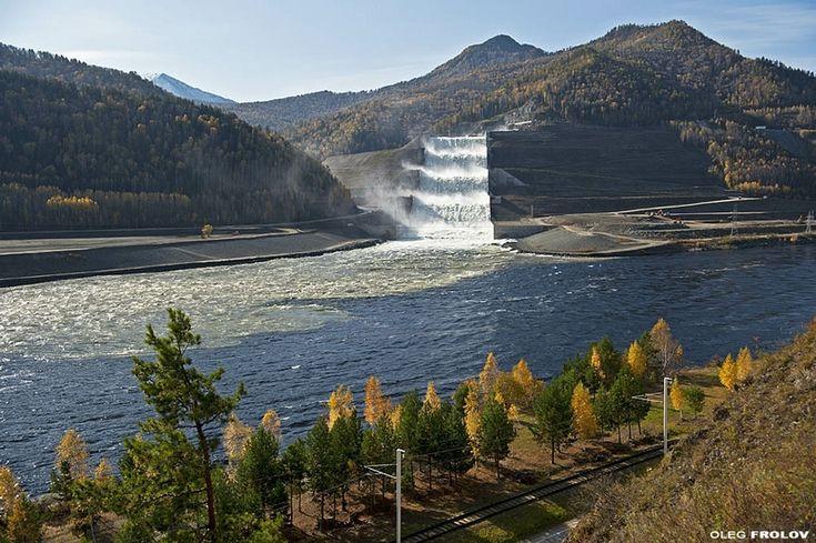 The Sayano–Shushenskaya Dam is located on the Yenisei River, near Sayanogorsk in Khakassia