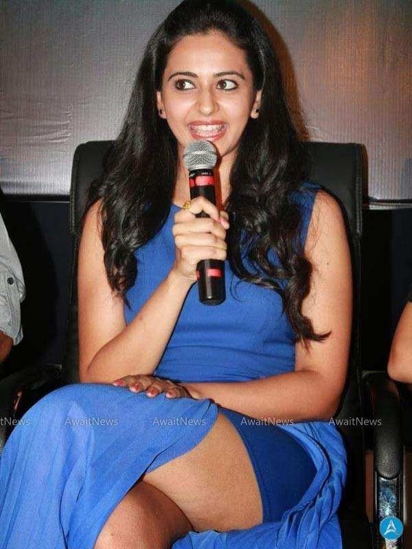 Pretty Actress Rakul Preet Latest Hot Wardrobe Malfunction Photos