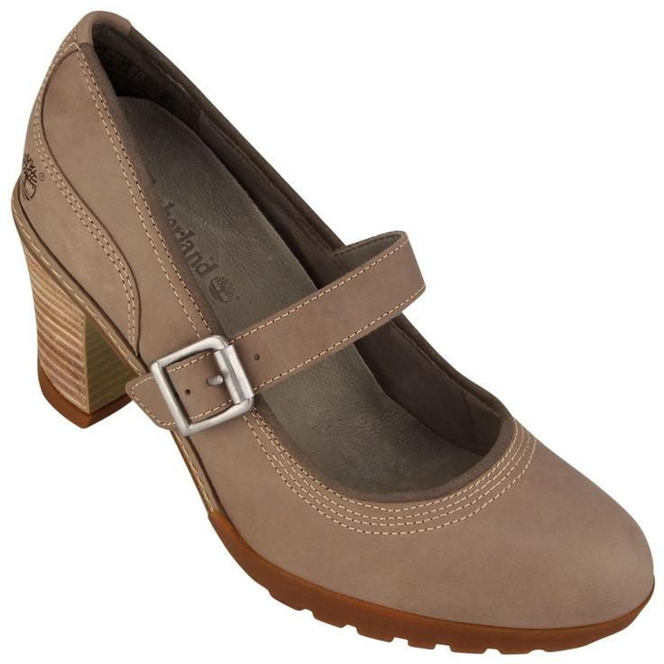 Alegre e despojado o sapato Timberland Stratham Heights Mary Jane conta com a tecnologia Anti-fatigue que deixa seu pé confortável mesmo com o salto de 8cm.