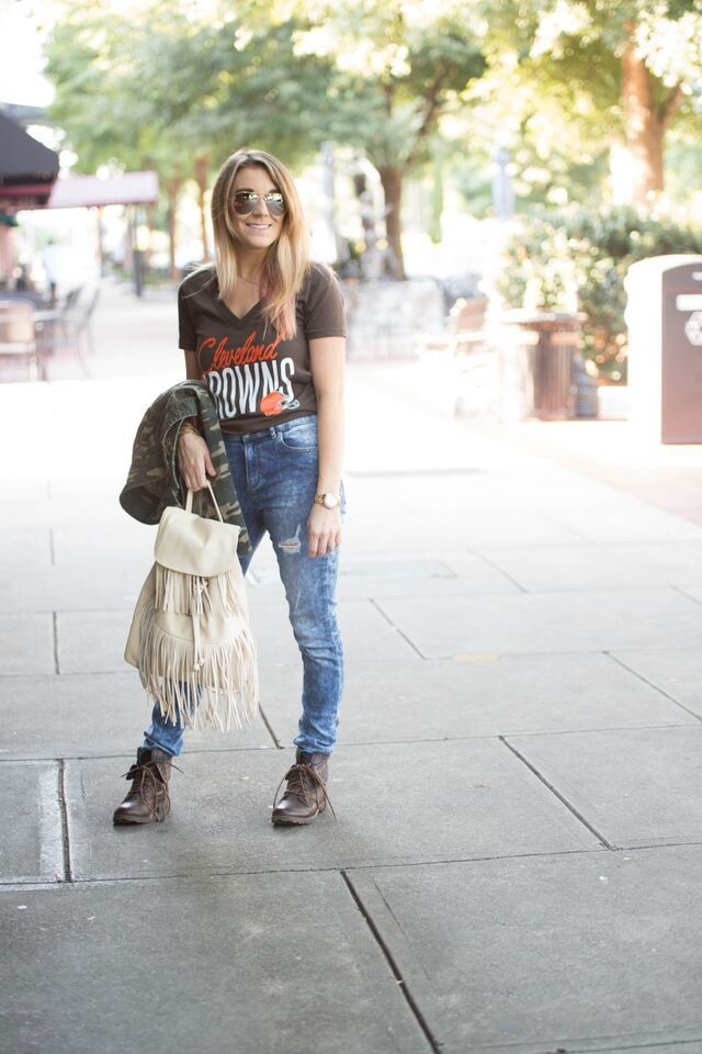 Football fashion. Cleveland Browns fashion #MyNFLFanStyle #CleverGirls #ad - The Samantha Show