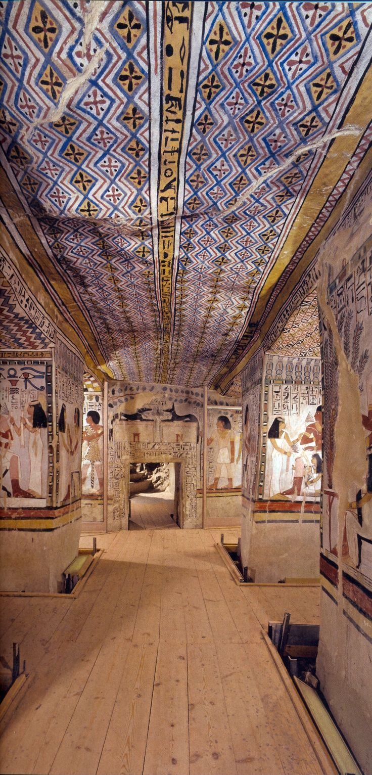 Egyptian tombs. Tombs had featured art, the art was scenes of daily life and the afterlife.Personal possessions was also placed in the tombs.