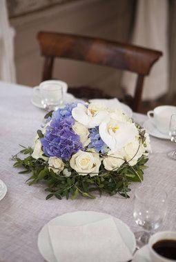 Blomster i rosa eller blått er vanlig til konfirmasjon.
