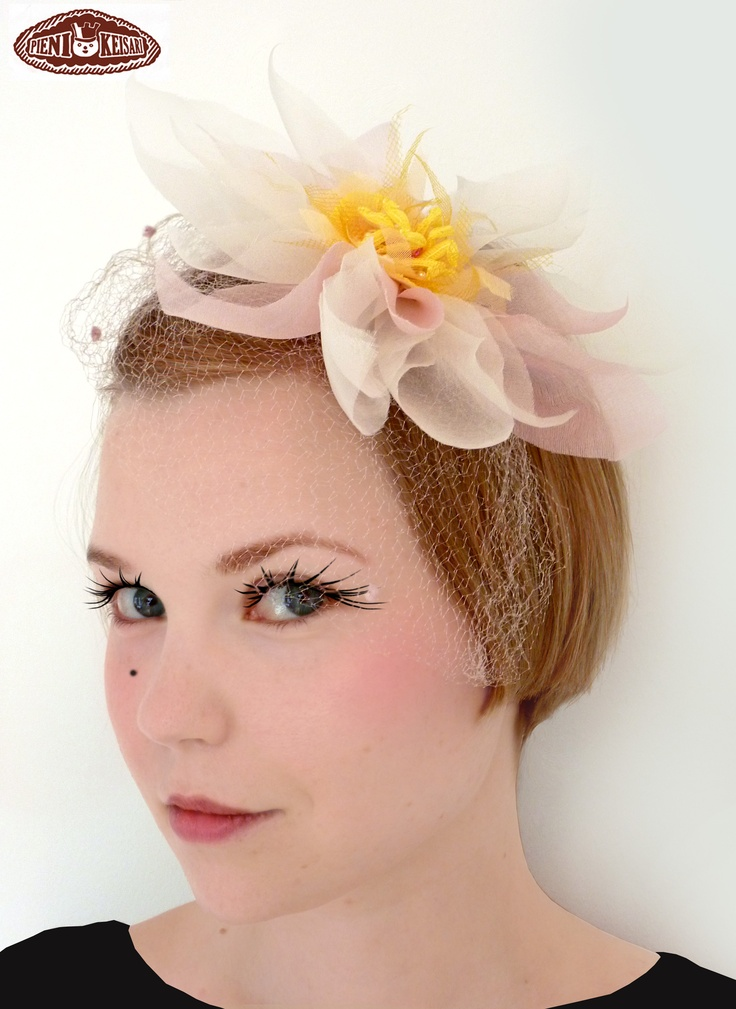 Waterlily cocktail headpiece for a wedding guest. http://www.facebook.com/pages/pieni-keisari/79394388494