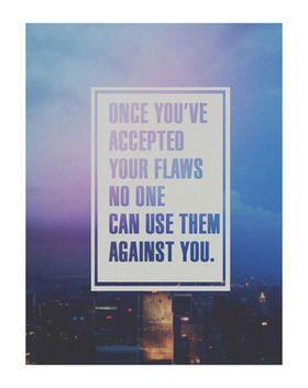 自分の欠点でも受け入れて 開き直ってしまえば ネタにする人はいなくなる。