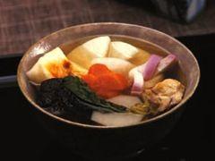 定番のお雑煮も、「ヤマサ昆布つゆ白だし」があれば簡単に美味しく味が決まります。