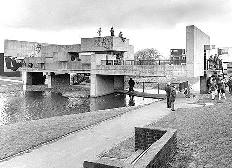 Apollo Pavilion. Peterlee. Victor Pasmore