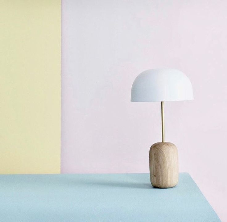 Desk lamp in solid oak and brass stick by HARTO