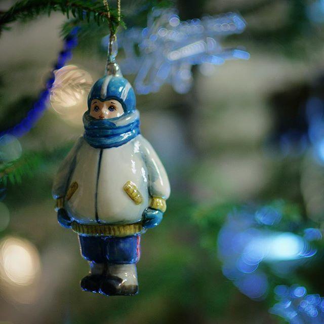 продаются в магазинах на Новый год и сайт у них был wool_bulb@evgeniay_adysheva погуглите фирму Komozja это поляки. Мой набор называется старый дворик вот такой http://www.handsel.ru/good10214/