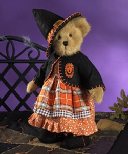 Boyds bears Glenda D. Witchyboo' October 2010. I want her!