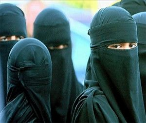Iranian women not to wear concealing: Facebook Survey | timeswings