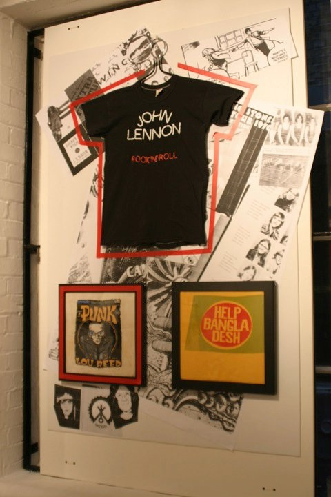 1000 ideas about t shirt displays on pinterest shirt for Retail shirt display ideas