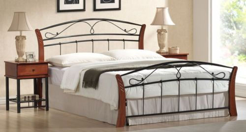 SINGLE-CHESTER-BED-ANTIQUE-OAK-BLACK-PICTURED-IN-QUEEN-SIZE