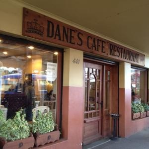Café Danes - Cosy, delicious kuchen y torta! Worth a try, a nice location! #puertovaras #locations #cafes #patagonia #chile #torta #kuchen