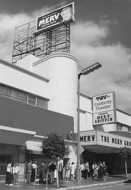 The Merv Griffin show at the Tav Celebrity Theater  on Vine Street in Hollywood (1987)