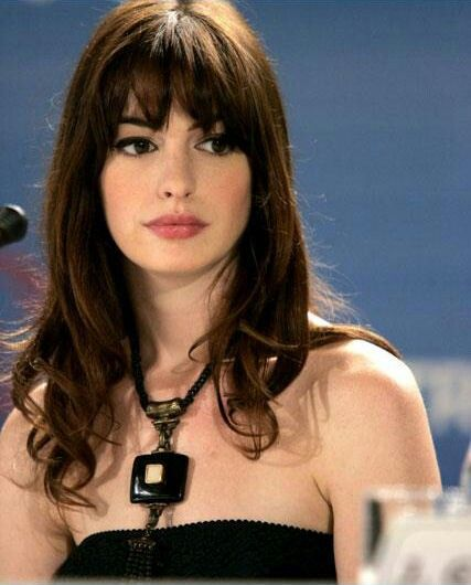 Anne Hathaway devil wears prada bangs