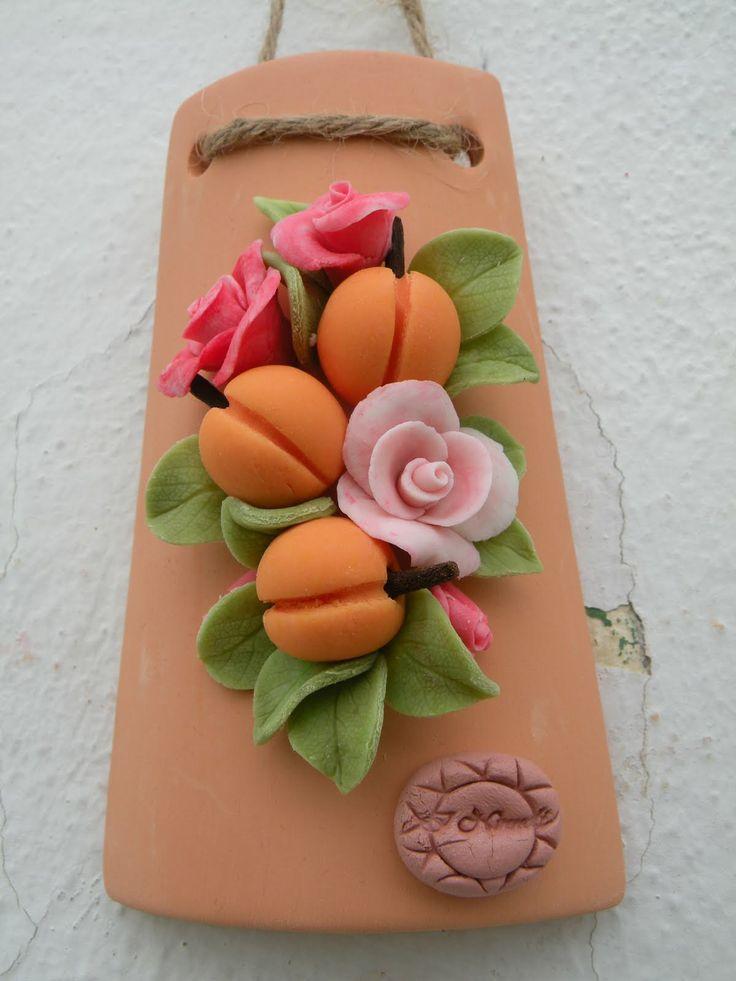 Tegola decorata con pasta ceramica