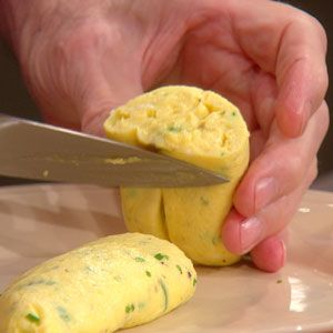 Jacques Pepin's Classic French Omelette Recipe | Rachael Ray Show