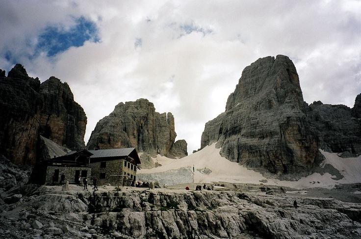 Rifugio Alimonta - Brenta Dolomites ©Luciano Brandimarti - our Facebook fan     http://www.visittrentino.it/it/a/rifugi-rifugi-escursionistici/madonna-di-campiglio-pinzolo-e-val-rendena/madonna-di-campiglio/rifugi-baite-madonna-di-campiglio-alimonta