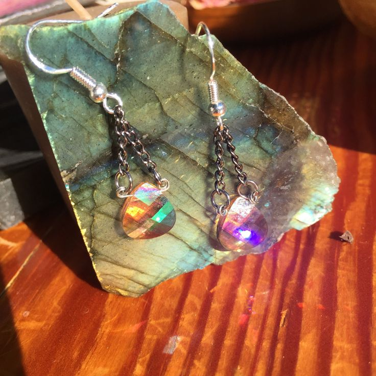 Champagne Swarovski Crystal earrings by AfoxAwitchAndJewerly on Etsy https://www.etsy.com/listing/292299183/champagne-swarovski-crystal-earrings