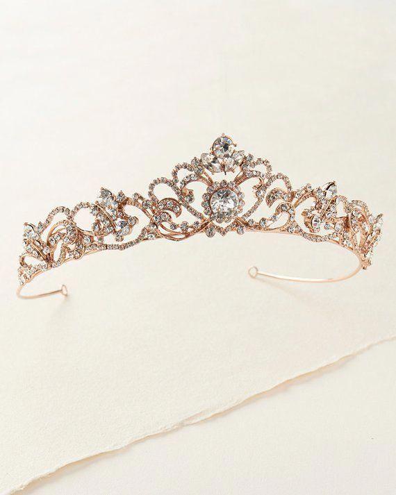 Sentirse mal Meloso Traducción  bridalUpdos   Gold bridal tiaras, Gold wedding crowns, Rhinestone wedding
