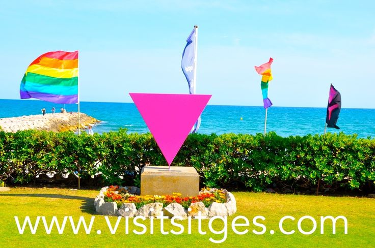 Monumento contra la Homofobia. http://www.visitsitges.com/en/2012-06-26-10-21-00/sitges-gay/eventos-gay-sitges