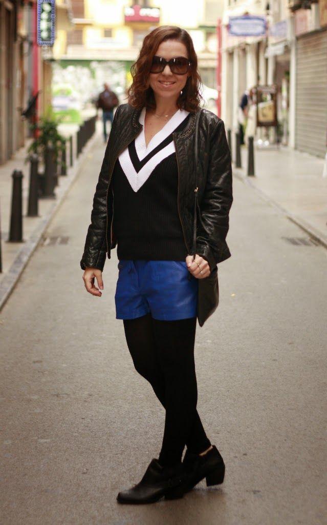 Cazadora COrtefiel, Suéter Oasap, Shorts Vero Moda, Botines Mustang