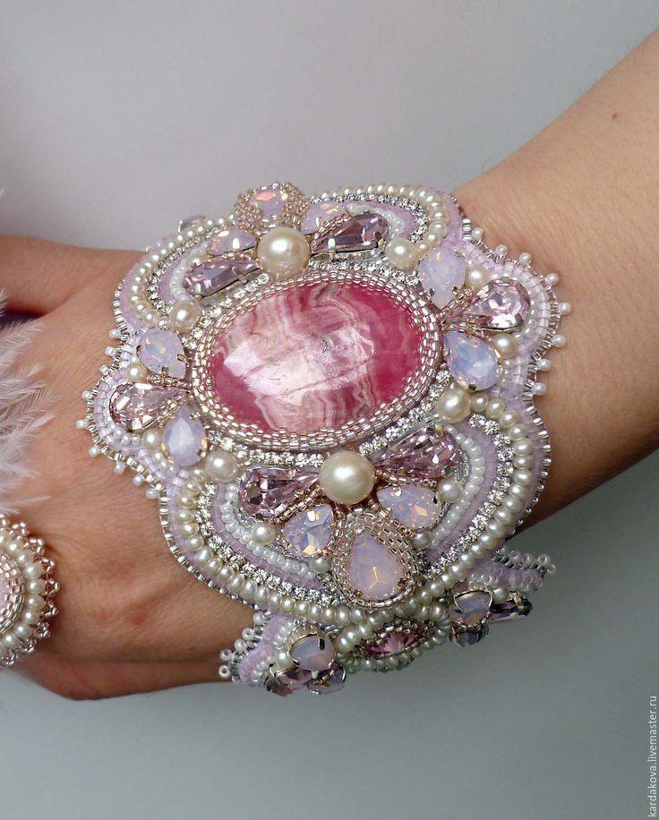 """Купить Широкий браслет """"Gentle touches"""" - бледно-розовый, натуральный родохрозит, родохрозит, браслет с родохрозитом"""