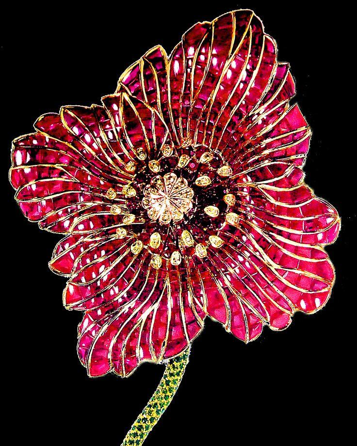 Poppy-Flower brooch by Stefan Hemmerle.