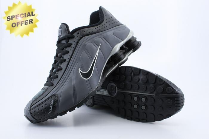 1007582 Black Carbon Gray Nike Shox R4 Mens For Cyber Monday