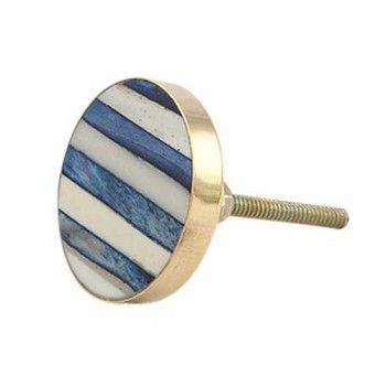 4,60€ - bouton de meuble pour une déco moderne, chic ou classique !  Le motif  suggère des lamelles de bois vieilli par le temps  bleu marine et crème.