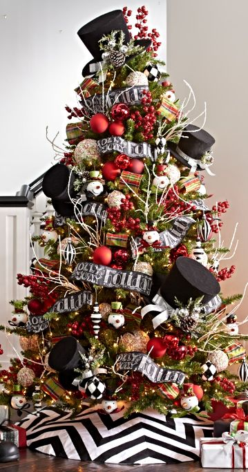Modernize your Christmas décor with our eye-catching Chevron Black and White Tree Skirt. Contrasting lines radiate out from the center, creating bold, geometric zigzags.:
