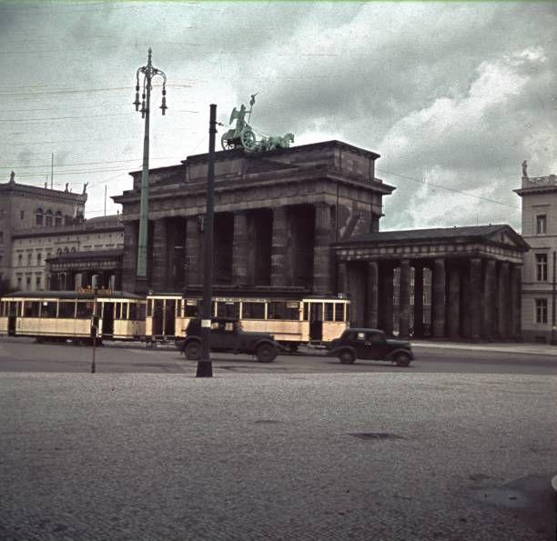 1940 Hindenburgplatz Mit Brandenburger Tor Berlin Geschichte Brandenburger Tor Berlin Berlin Bilder