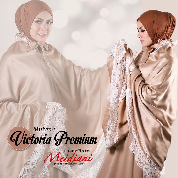 Victoria Premium berbahan satin roberto. Bahannya yang halus dan glossy membuat tampilan mukena yang elegan. Dengan kombinasi lace membuat mukena ini semakin cantik.  Victoria Available Color : Beige, Tosca, Pink, Putih  350.000