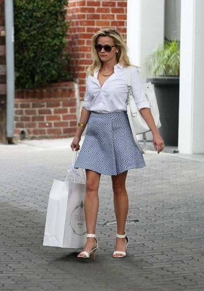 Reese Witherspoon Leather Shoulder Bag - Reese Witherspoon Looks - StyleBistro