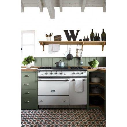 Muster No. 51007-32/141 aus der Sonderedition, mit floralem Muster #cementtile #countryhouse #landhaus #via