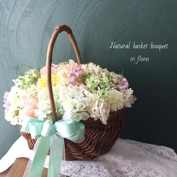 いいね!155件、コメント9件 ― iri flores(イリフローレス)さん(@iriflores.botanica)のInstagramアカウント: 「Happy wedding!! ・ 可愛い #カゴブーケ が完成しました♪ 花嫁様のカラードレスに合わせてパステル調に。 プリザーブド紫陽花をたっぷり敷き詰めふわもこです*✧ ・…」#カゴブーケ#ナチュラルウェディング#プリザーブドフラワー#パステルカラー#民とグリーン#プリ座#バスケットブーケ#かご#紫陽花#レストランウェディング#ガーデンウェディング#リゾートウェディング#クラッチブーケ#リースブーケ#リングピロー#iriflores#イリフローレス#かすみ草#wedding#bouquet#preservedflower
