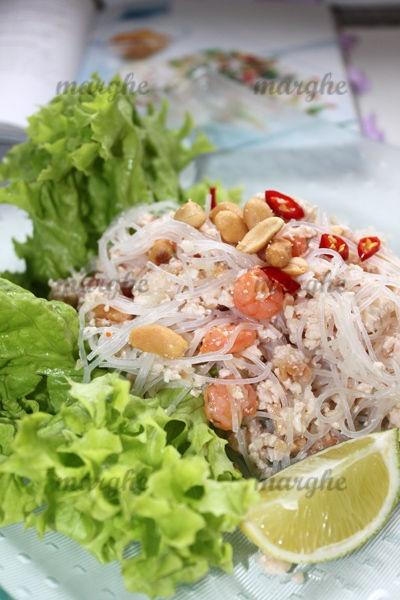 #Tajska sałatka z #kurczakiem i makaronem sojowym. #Tajlandia #Thai #gotowanie #kuchnia #przepis #kurczak #Azja