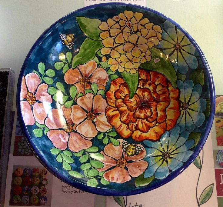 Damariscotta pottery large serving bowl painted by Tessa