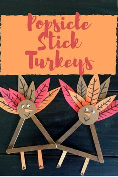 The perfect Thanksgiving Day craft to keep the kiddos entertained while the real turkey cooks! Photo step by step instructions make it easy for kids to complete on their own! Kids Crafts | Fall Art | Thanksgiving craft projects