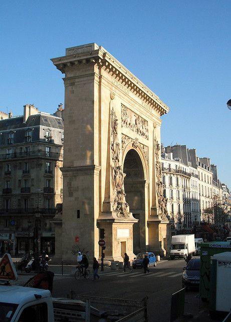 la porte saint denis paris 10e meeting of bv st denis bv bonne nouvelle and rue de fau st. Black Bedroom Furniture Sets. Home Design Ideas