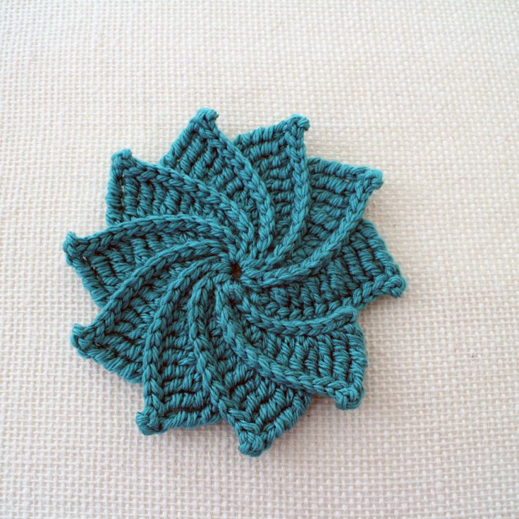 Spiral Crochet Flower. Free Pattern and video tutorial.