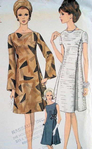 1960s LOVELY DRESS PATTERN HIGH FITTED A LINE  SIDE INVERTED PLEAT VOGUE 7139