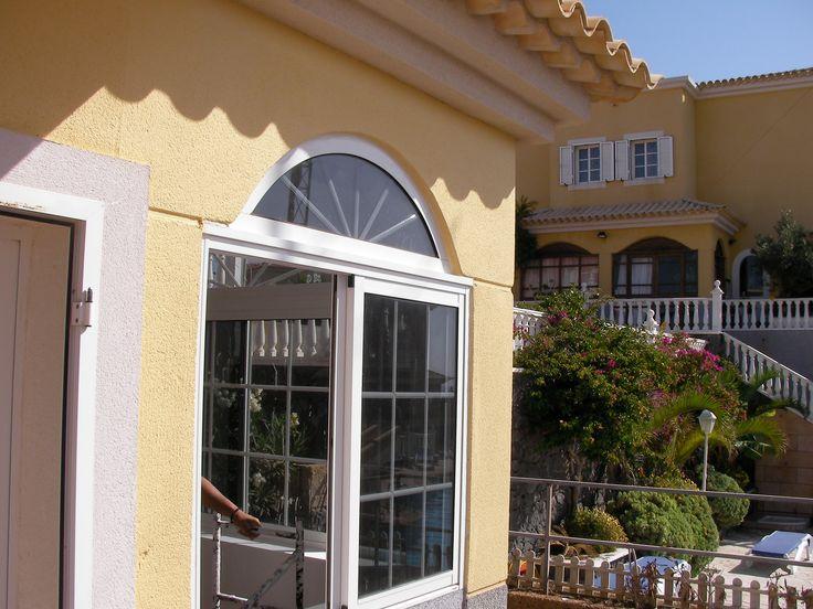 Ventana de aluminio lacado en blanco tenerife aluminio for Colores ventanas aluminio lacado