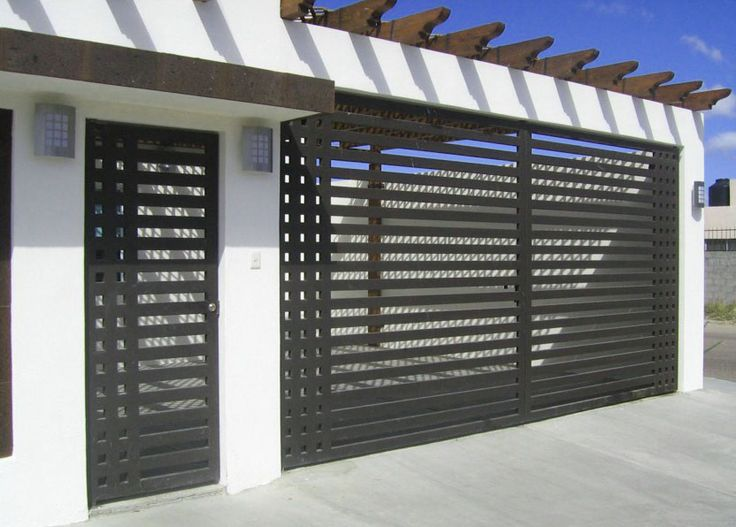 Rejas para frente casas con 4 dise os modernos frentes for Disenos de puertas para casas modernas