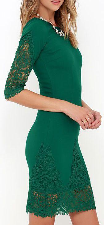 Green Lace Dress ==